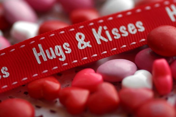 Hug kisses